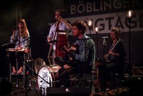 Konzert mit Berliner Band in der Bücherei Schönberg